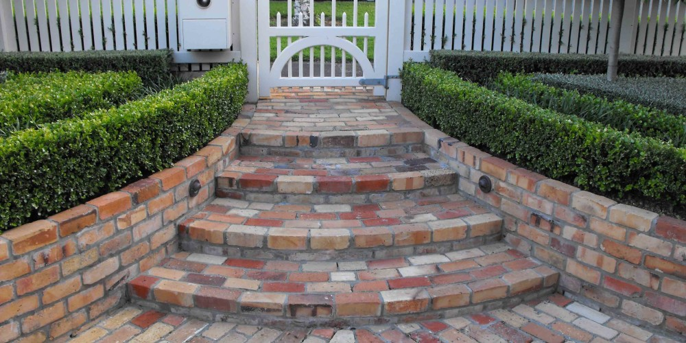 Best-appearance-of-bricks-landscaping