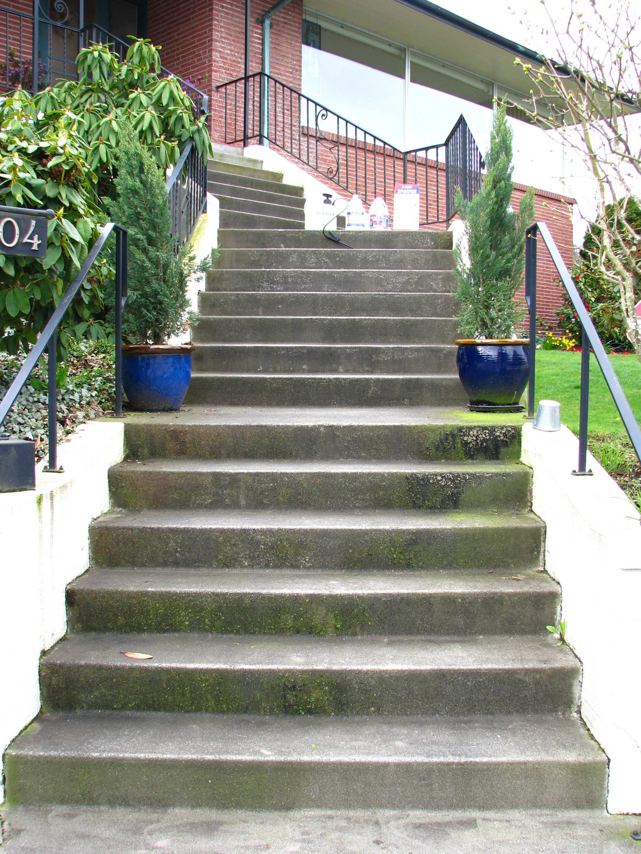 Water pressure cleaning jmarvinhandyman for Cleaning concrete steps