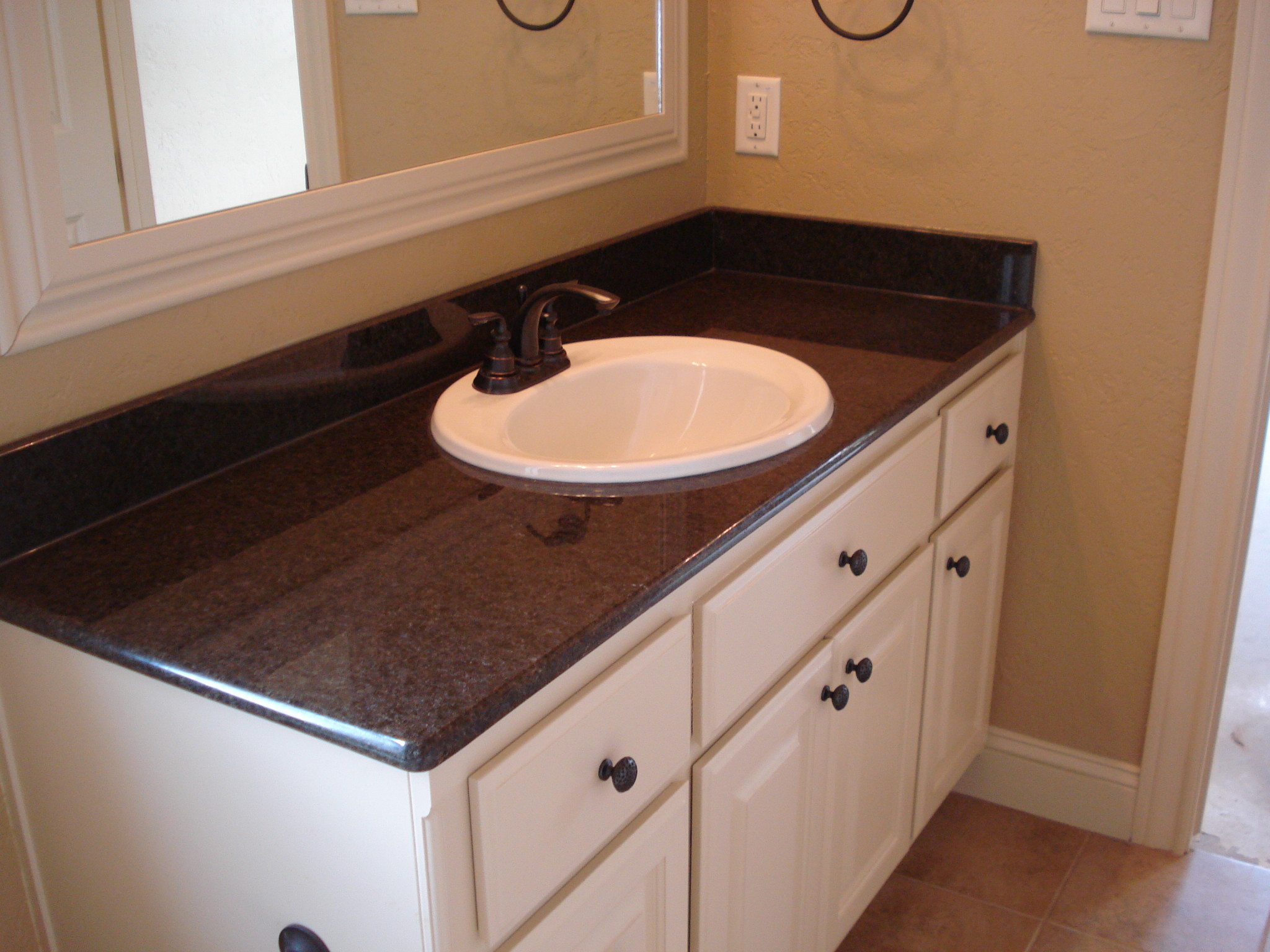 Granite installation jmarvinhandyman for Granite bathroom vanity