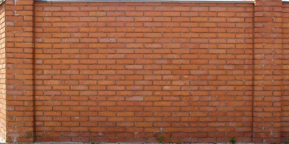 Span brick fence