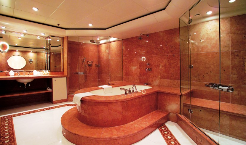 Yacht TURAMA - Master Bathroom - Hers