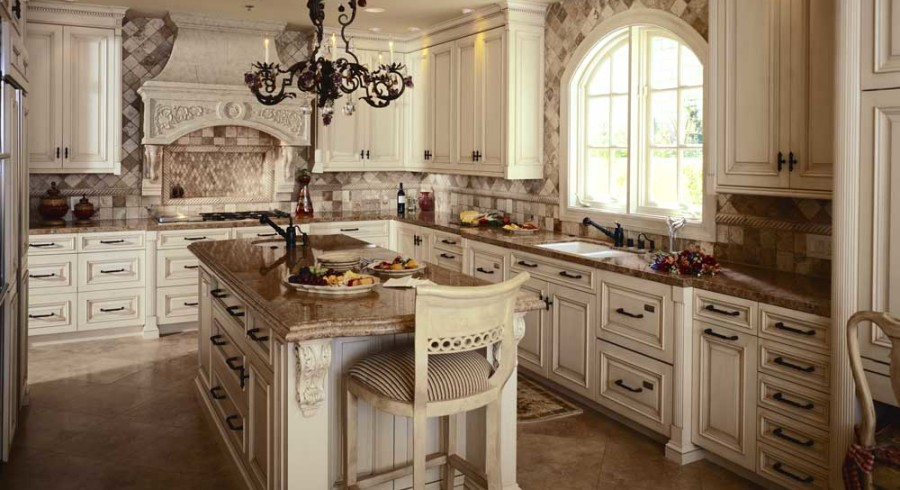 antique-kitchen-cabinets-decor