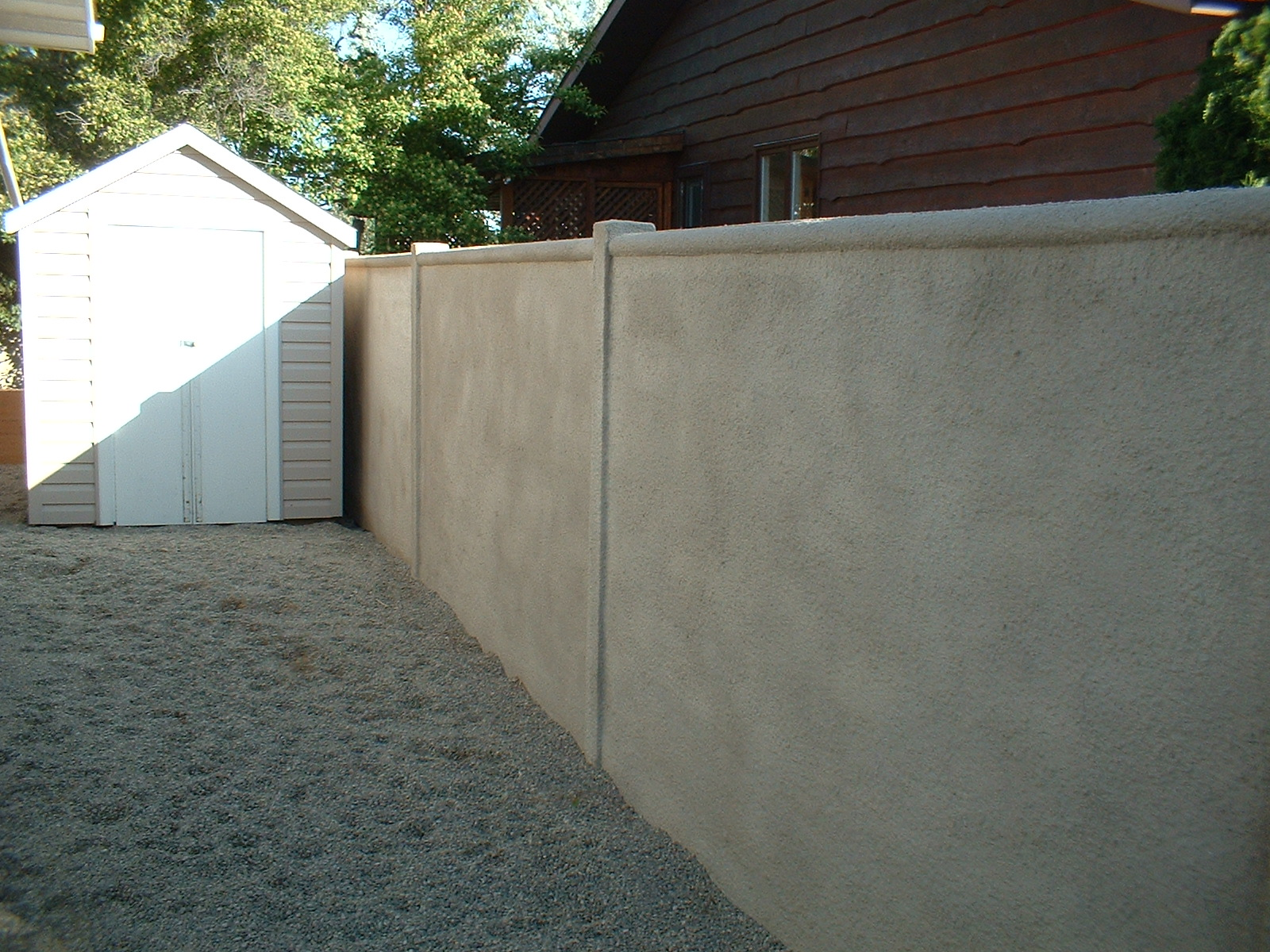 Stucco jmarvinhandyman for Stucco garden wall designs