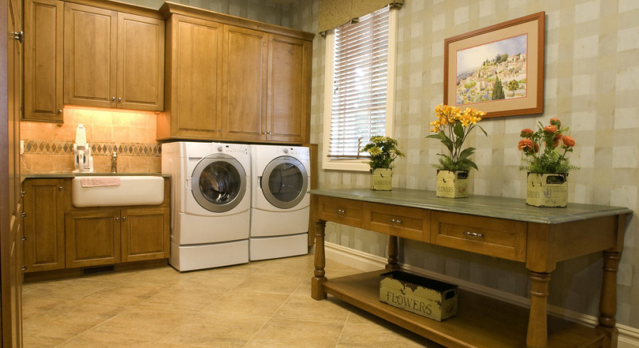 laundry-room-cabinet-theme