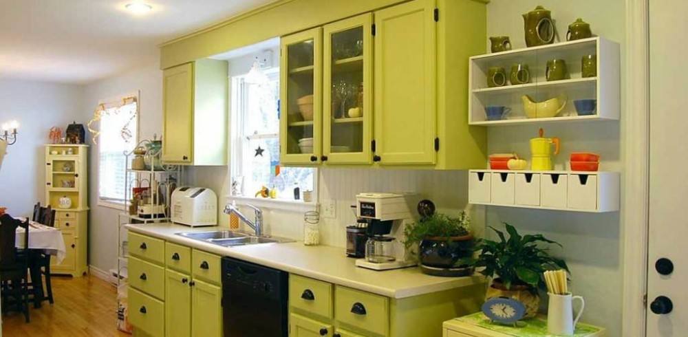 Painted kitchen cabinets two different colors crowdbuild for Different kitchen colors