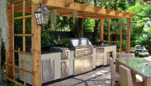 Bbq Island With Small Pergola Backyard